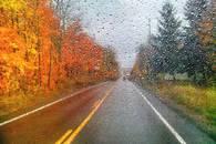 vezetés esőben